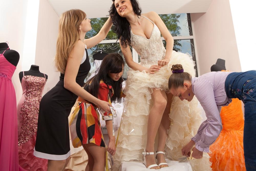 Como é criado um vestido de noiva?
